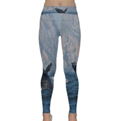 Humpback 1 Classic Yoga Leggings