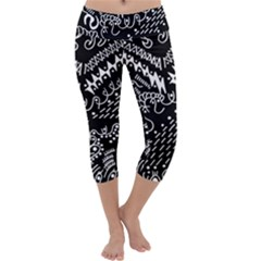 Chicken Hawk Invert Capri Yoga Leggings