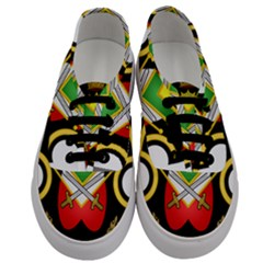 Shield Of The Imperial Iranian Ground Force Men s Classic Low Top Sneakers