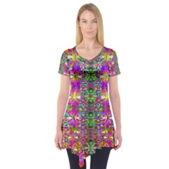 Flower Wall With Wonderful Colors And Bloom Short Sleeve Tunic