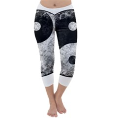 Grunge Yin Yang Capri Winter Leggings