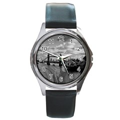 River Thames Waterfall Black Leather Watch (round)