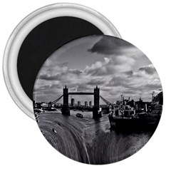 River Thames Waterfall Large Magnet (round)