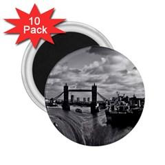 River Thames Waterfall 10 Pack Regular Magnet (round)