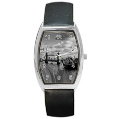 River Thames Waterfall Black Leather Watch (Tonneau)