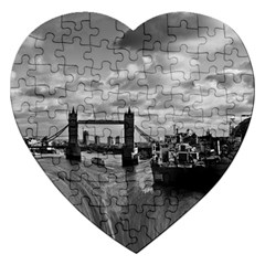 River Thames Waterfall Jigsaw Puzzle (Heart)