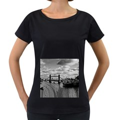 River Thames Waterfall Black Oversized Womens'' T-shirt