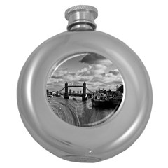River Thames Waterfall Hip Flask (Round)