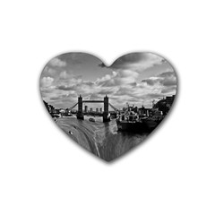 River Thames Waterfall Rubber Drinks Coaster (Heart)