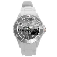 River Thames Waterfall Round Plastic Sport Watch Large