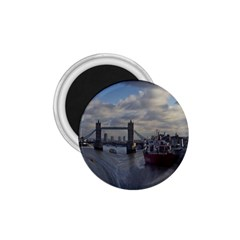 Thames Waterfall Color Small Magnet (Round)
