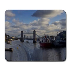 Thames Waterfall Color Large Mouse Pad (Rectangle)