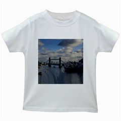 Thames Waterfall Color White Kids'' T-shirt