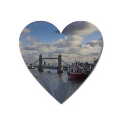 Thames Waterfall Color Large Sticker Magnet (Heart)