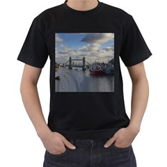 Thames Waterfall Color Twin-sided Black Mens'' T-shirt