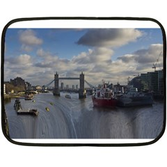 Thames Waterfall Color Twin-sided Mini Fleece Blanket