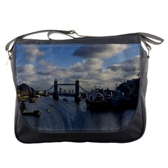 Thames Waterfall Color Messenger Bag