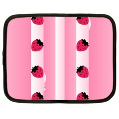 Strawberry Cream Cake Netbook Case (XXL)