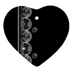 Strawberry Lace White With Black Ceramic Ornament (heart)