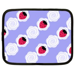 Cake Top Blueberry Netbook Case (XXL)