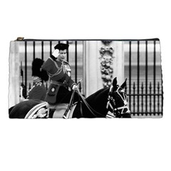 Vintage UK England  queen Elizabeth 2 Buckingham Palace Pencil Case
