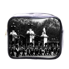 Vintage England London Changing Guard Buckingham Palace Single Sided Cosmetic Case