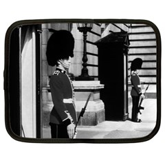 Vintage Uk England London Sentry At Buckingham Palace 13  Netbook Case