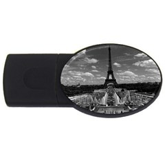 Vintage France Paris Fontain Chaillot Tour Eiffel 1970 4Gb USB Flash Drive (Oval)