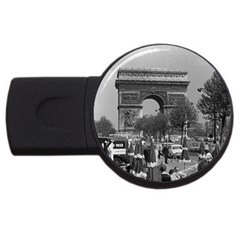 Vinatge France Paris Triumphal arch 1970 2Gb USB Flash Drive (Round)