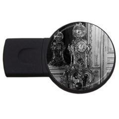 Vintage France Palace of Versailles astronomical clock 2Gb USB Flash Drive (Round)