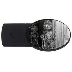 Vintage France Palace of Versailles astronomical clock 4Gb USB Flash Drive (Oval)
