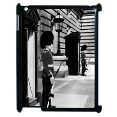 Vintage UK England London sentry at Buckingham palace Apple iPad 2 Case (Black)