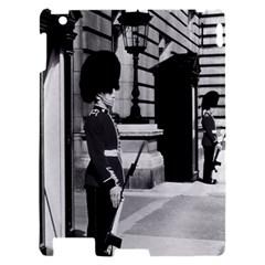 Vintage UK England London sentry at Buckingham palace Apple iPad 2 Hardshell Case