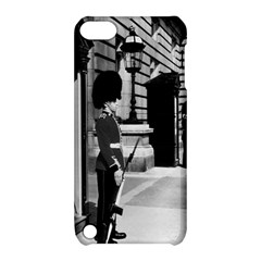 Vintage UK England London sentry at Buckingham palace Apple iPod Touch 5 Hardshell Case with Stand