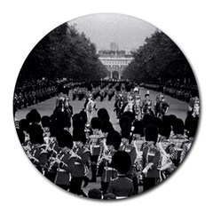 Vintage UK England the Guards returning along the Mall 8  Mouse Pad (Round)