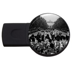 Vintage UK England the Guards returning along the Mall 1Gb USB Flash Drive (Round)