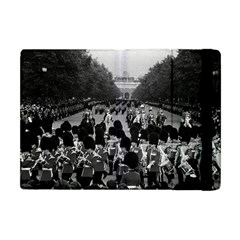 Vintage UK England the Guards returning along the Mall Apple iPad Mini Flip Case