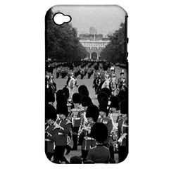 Vintage UK England the Guards returning along the Mall Apple iPhone 4/4S Hardshell Case (PC+Silicone)