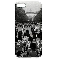 Vintage UK England the Guards returning along the Mall Apple iPhone 5 Hardshell Case with Stand