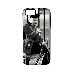 Vintage UK England  queen Elizabeth 2 Buckingham Palace Apple iPhone 5 Classic Hardshell Case (PC+Silicone)
