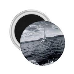 sailing Regular Magnet (Round)