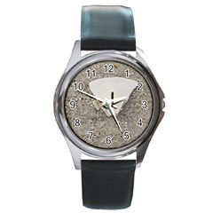 Quarter of a Sand Dollar Black Leather Watch (Round)