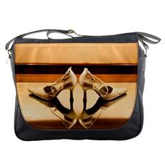 23 Messenger Bag