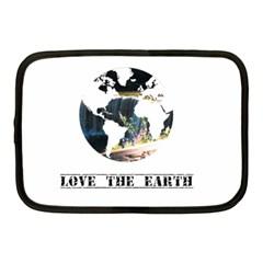 <3 Earth Netbook Case (Medium)