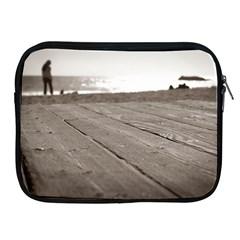 Laguna Beach Walk Apple Ipad 2/3/4 Zipper Case
