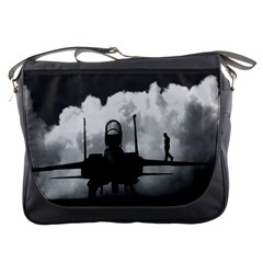 Wing Walk Messenger Bag