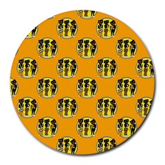 Vintage Halloween 8  Mouse Pad (Round)