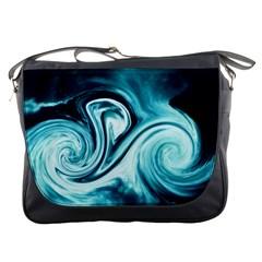 L224 Messenger Bag