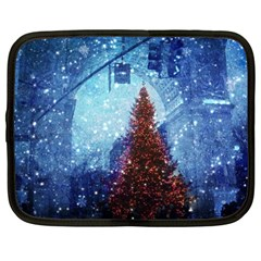 Elegant Winter Snow Flakes Gate Of Victory Paris France Netbook Case (Large)