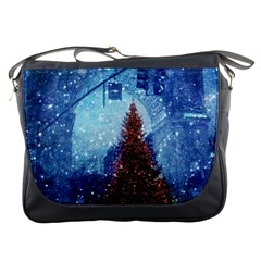 Elegant Winter Snow Flakes Gate Of Victory Paris France Messenger Bag